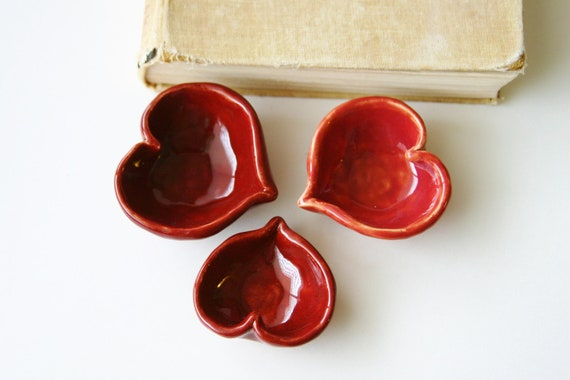 I LOVE YOU - Ceramic Heart Dish - Ring Catcher - in Romantic Rustic Red - One Dish