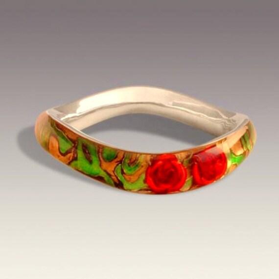 Bracelet of red roses .silver art