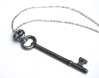 Black and White Skeleton Key