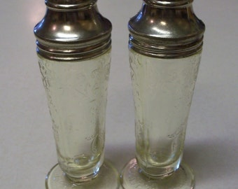 Vintage Hazel Atlas Yellow Florentine Poppy Salt and Pepper Shakers