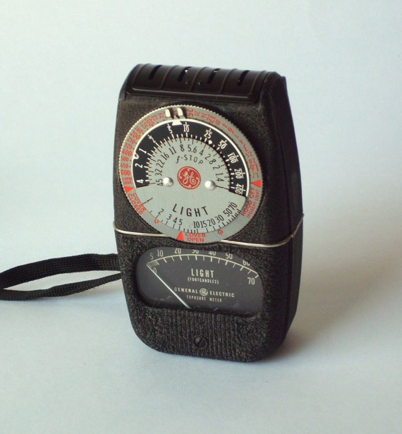General Electric DW 68 Exposure Meter with Case and Instructions