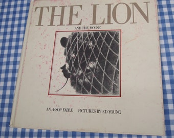 SALE the lion and the mouse, vintage 1979 children's book