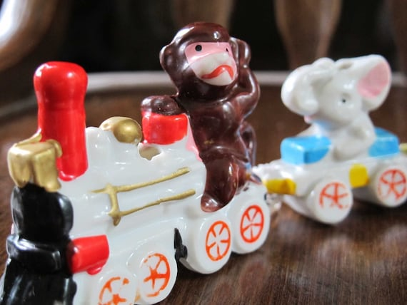 Child's circus birthday train Vintage