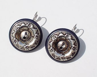 Vintage Button Earrings: Black with Silver Flowers Vintage Button Jewelry