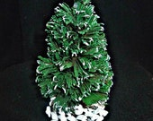 Chirstmas Mini Pinecone Tree Dip In A Concentrated Oil Fragrance.