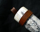 Leather belt frog for a drinking horn