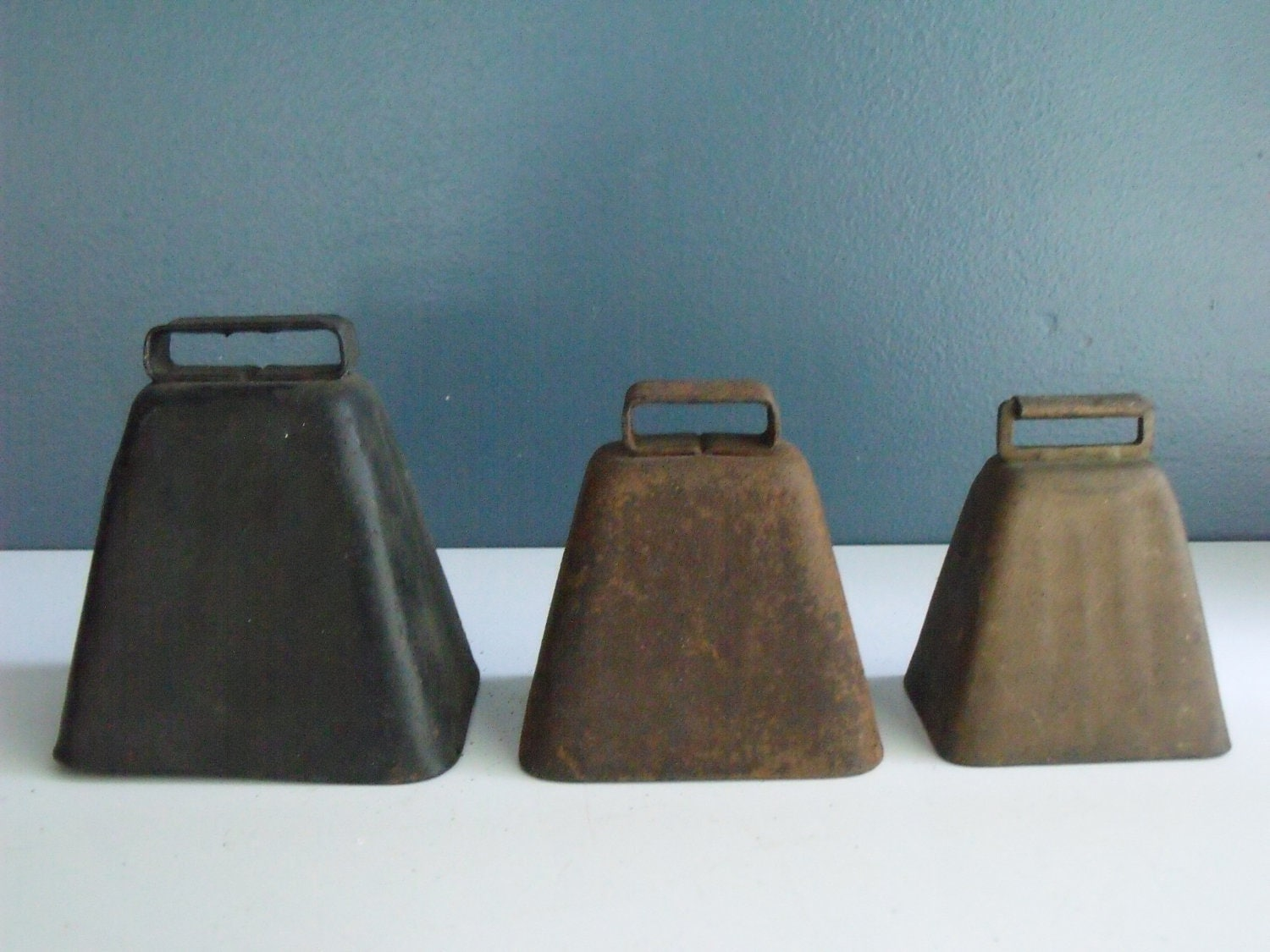 Antique Cow Bells Set 3 Brass Metal