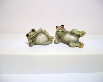 Frogs, ceramic frogs, miniature frogs, two lying frogs