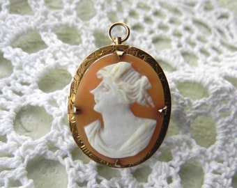 Antique Carved Shell 10K Gold Cameo Brooch or Pendant... Vintage Jewelry... Christmas Gift... FREE SHIPPING