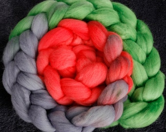 Merino wool tops  for spinning and felting - Parakeet long repeat