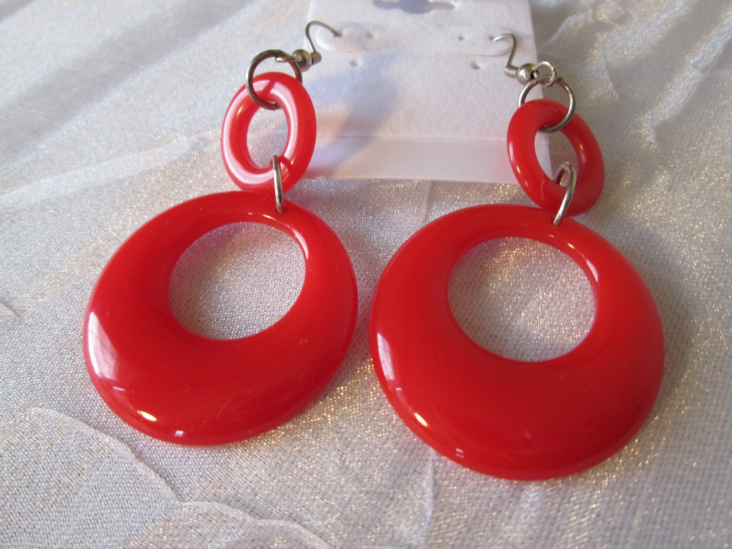Hoop Earrings, Red Plastic Groovy Pierced 🔎zoom