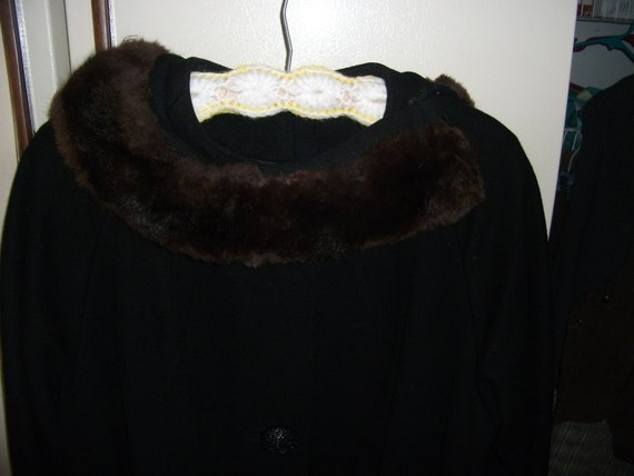 Vintage Black Wool Coat with Fur Trimmed Collar Size Large Retro Mad Men Only 35 USD