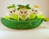 Green Peapod Babies Finger Puppets