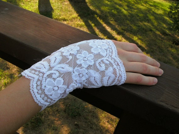 Fingerless Lace Gloves--Soft White Stretch Lace---One Size