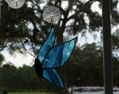 Aqua Blue/White Wispy Transluscent Stained Glass Butterfly (Side View) - Handcrafted Twisted Wire Antenna - Black Patina Finish