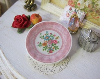 Pink Wendy Plate for Dollhouse