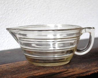 Old Glass Beehive Batter Bowl, Ribbed Mixing Bowl, Pour Spout & Handle, 1930s Vintage Kitchen