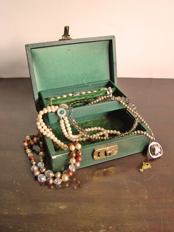 vintage forest green jewelry box with key