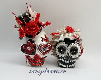 Skull black & white weddings cake topper handmade bride and groom ST0021