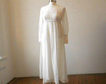 Beautiful 1960s White Wedding or Party Dress /  Boho Hippie Lace Chiffon SImple Wedding / EXTRA SMALL