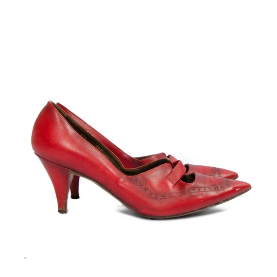 Vintage Red Wingtip Pointy Toe High Heels Macy's Little Shop size 8 C