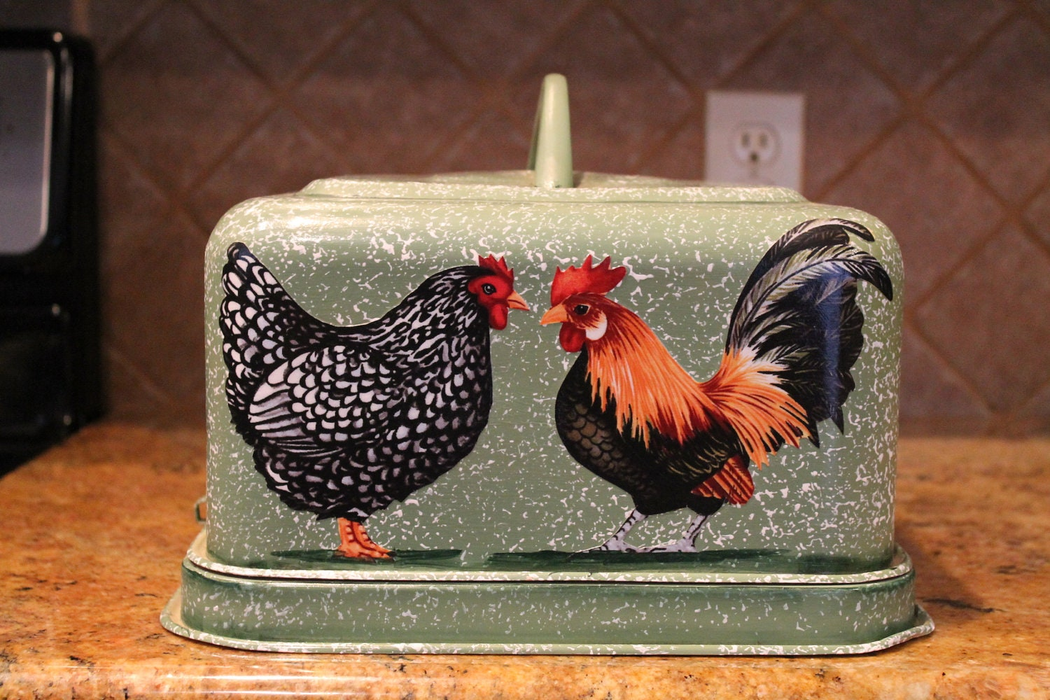 Rooster Hen Cake Carrier Latching by CraftsByJoyice on Etsy