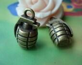 5 pcs 22x13mm Antique Bronze 3D Solid Heavy Grenade Charms Pendants g962462