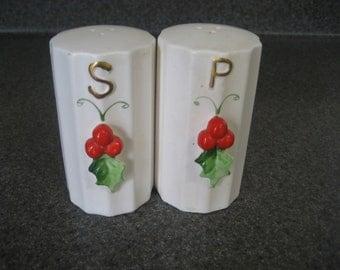 Holt Howard Japan Christmas Holly Berry Salt Pepper Shakers Vintage 1950s