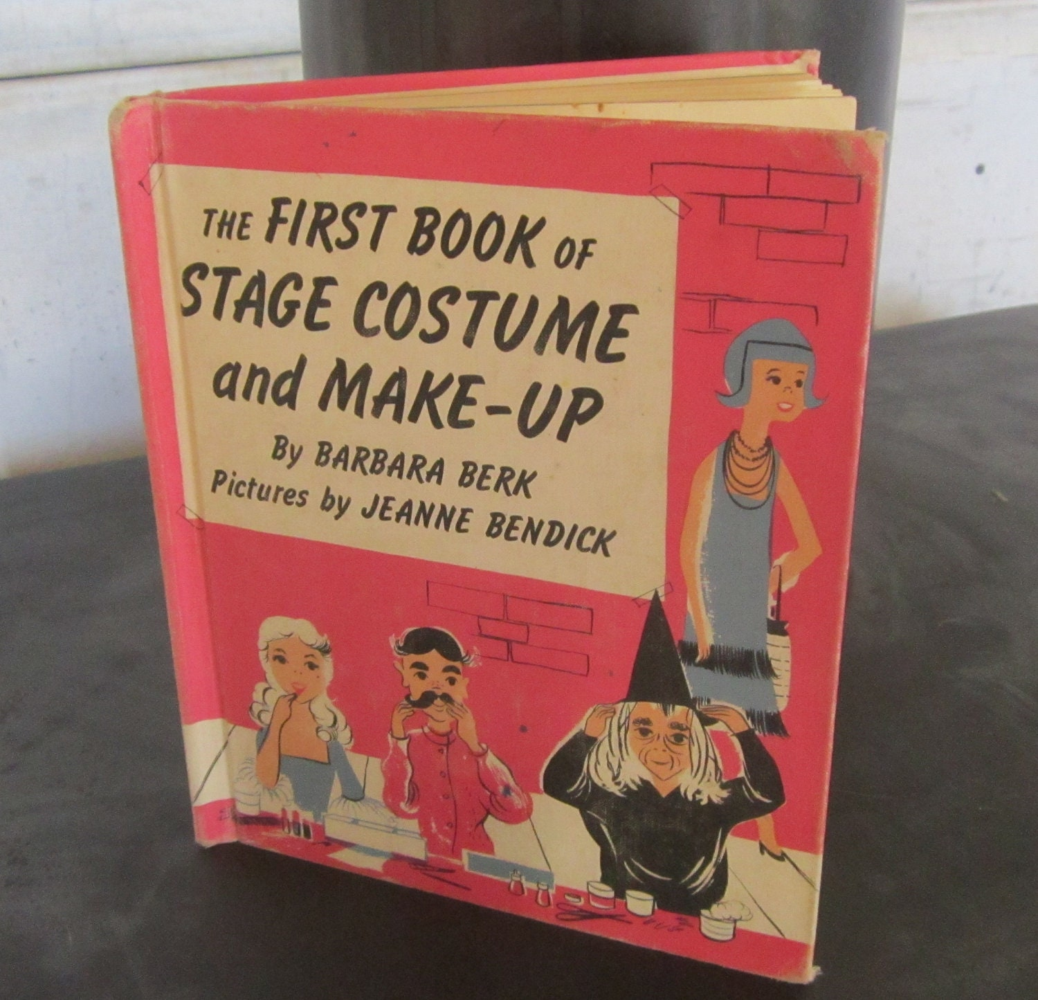 Stage Costume and Make-Up (The First Book of Series) Barbara Berk