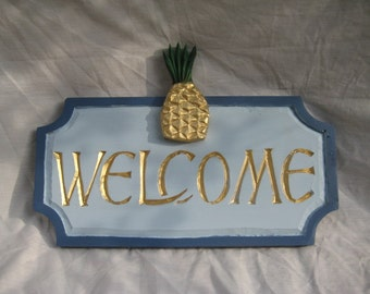 Large Welcome with Pineapple Sign