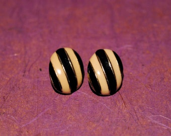 80s Vintage Black and Cream Stripes Domed Clip Earrings