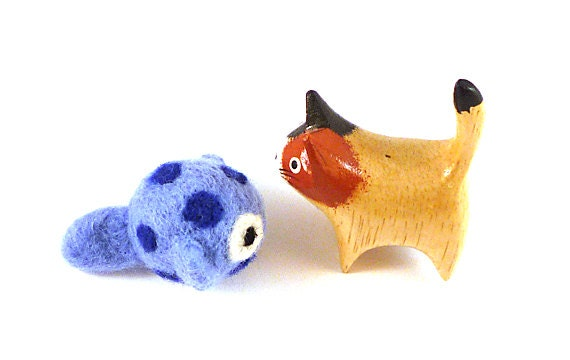 Blue Spotted Fish Wool Catnip Cat Toy