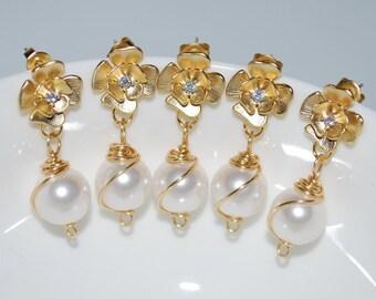 Bridesmaid Earrings, Set of 5 Handmade Earrings, Bridal Earrings, Matte Gold Flower Stud Earrings, Wire Wrapped Pearl Earrings
