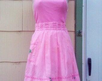 Vintage 1950s Apron/ Pink/ Gingham/ Rockabilly / Housewife/VLV