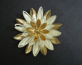 GLORIOUS DAHLIA BROOCH -  Vintage Brooch -  Signed  Sarah =  White-Golden Accents