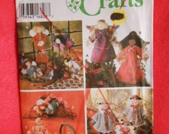 Simplicity  9641, crafts angels, cows, ginger bread dolls