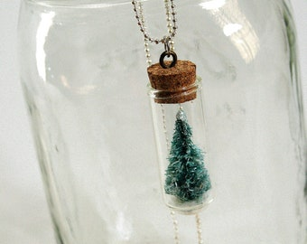 snowglobe necklace christmas tree
