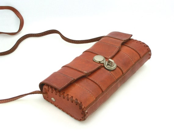 SALE - Vintage leather bag 70s