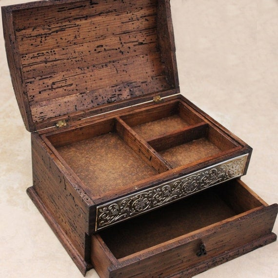 Personalized Rustic Jewelry Box, unique details and drawer.