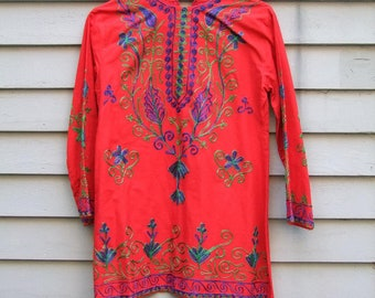 Vintage Chain Stitch embroidery Ethnic Peasant blouse ala 1970s Red
