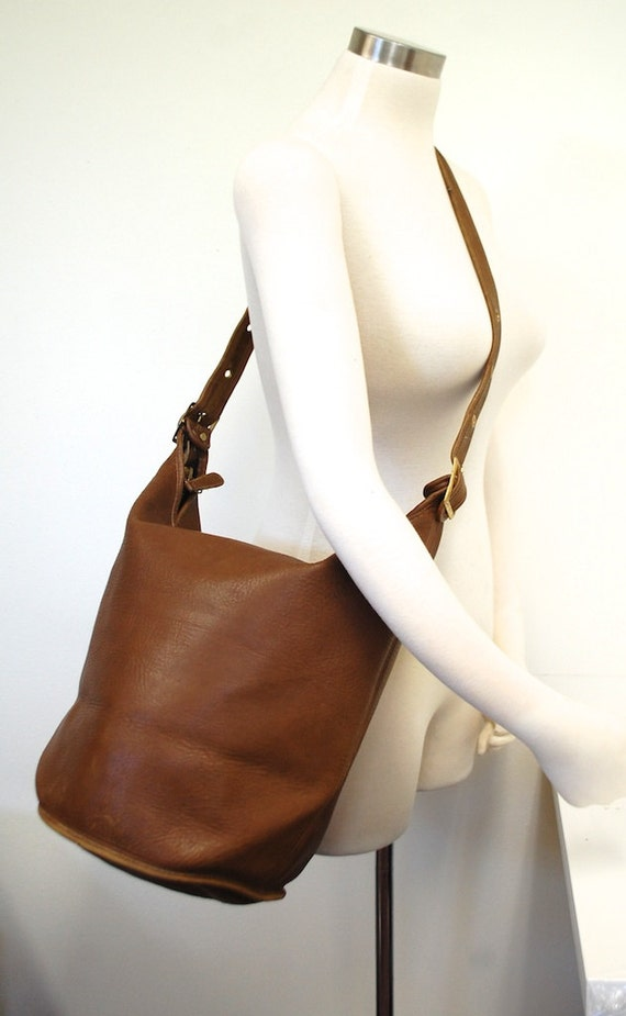 Vintage XL Huge Tan Leather Bucket Bag