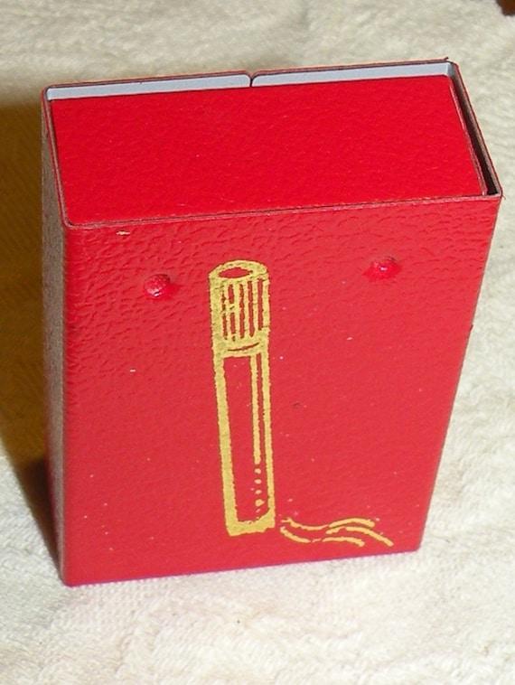Vintage Portable Ashtray Purse Ashtray Red Unused Spring Loaded Box