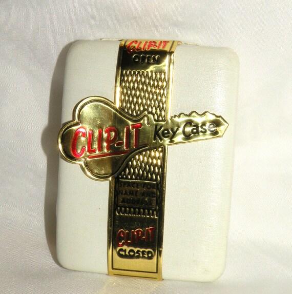 Vintage Key Case -Clip It- Hard Case Snap Shut Hard Shell Key Compact