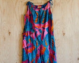 1960s MED brightly colored Polynesian dress