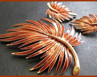 Autumn Brooch Pin Earring Demi SET Leaf Design Brown Rust Color Enamel Gold Metal Vintage