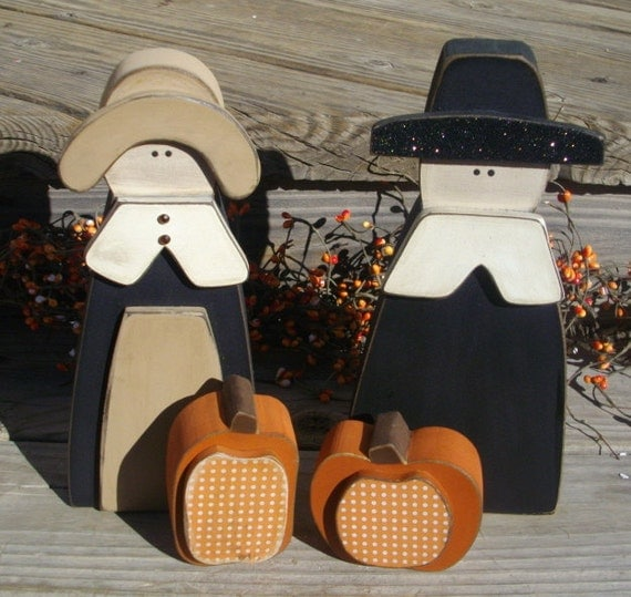 Wood Pilgrims with pumpkins Thanksgiving decor country primitive fall decorations shelf mantle table