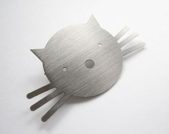 BROOCH with CUTE CAT