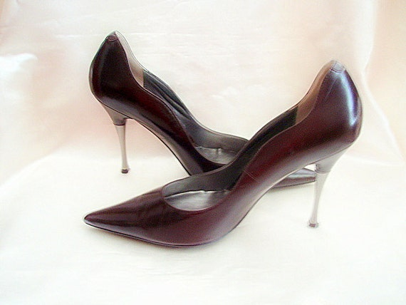 Vintage Leather Stiletto Shoes 4in Metal Covered Heel Point Toe Miss Sixty Elegant Brown Pumps Size 8M
