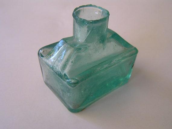 Vintage ink bottle - Little rectanglular aqua green glass bottle - Angus & Co