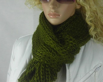 Chunky Knitted infinity Scarf - Chunky Neck Warmer - Multi functional- Cunky scarf - Bold Knit Scarf - - Line knit - Olive Green